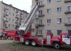 Пожарные спасли 30 жильцов изгорящего дома вНевинномысске